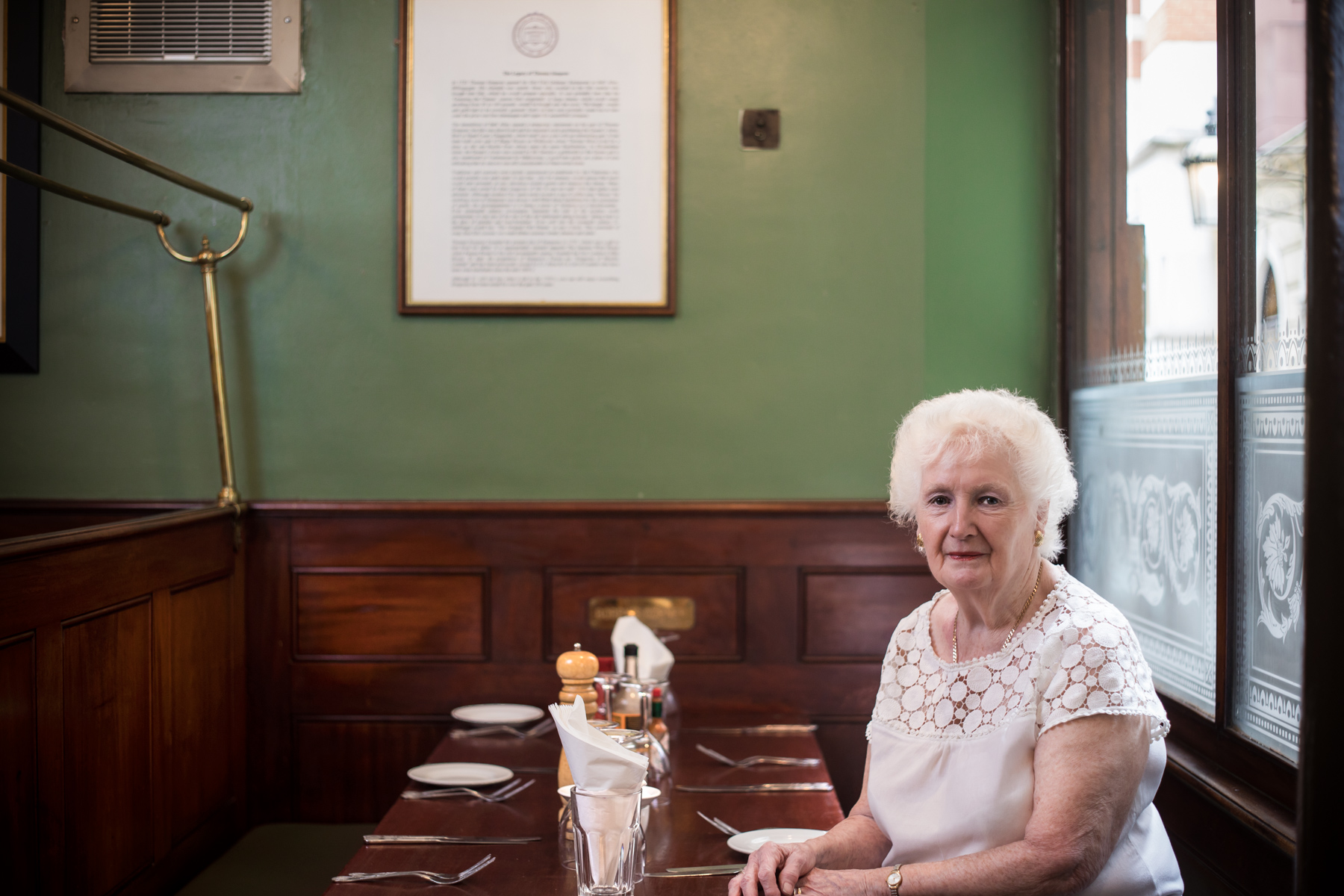 Maureen has been working at Simpson's Tavern in the City for 40 years now.